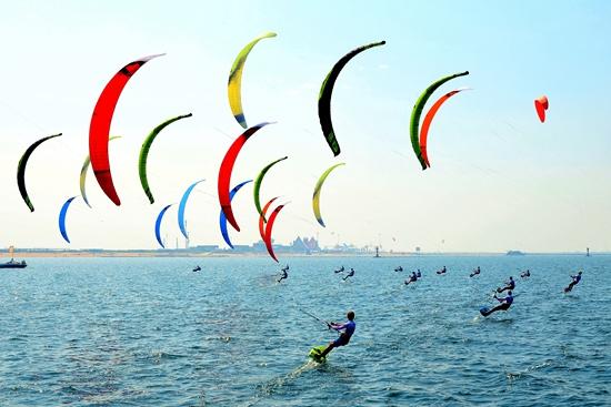 国际风筝冲浪赛.jpg
